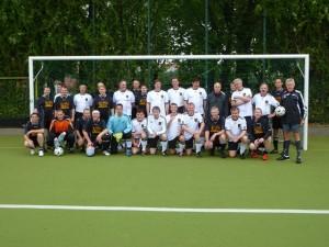 Mannschaften von FC Bundestag und ABACUS